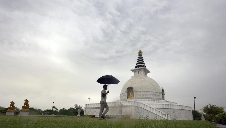 Delhi,India Meteorological Department,light rain