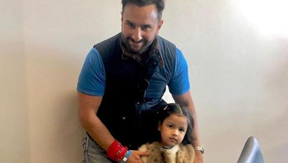 MS Dhoni's daughter Ziva poses with Saif Ali Khan after India vs Pak World Cup match, fans ask 'Where is Taimur?'