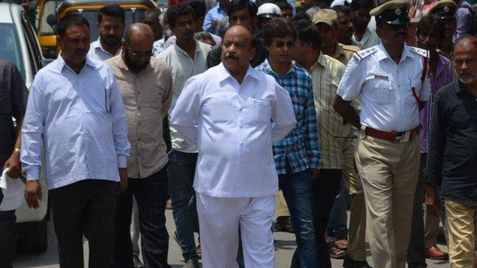 Congress suspends Karnataka MLA Roshan Baig for 'anti-party