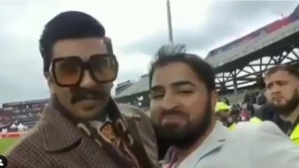 Ranveer Singh consoles Pakistani fan post India vs Pak Word Cup match, says, 'There is always a next time'. Watch video