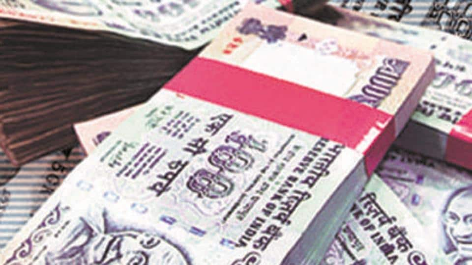 Rupee rises 11 paise to 69.80 versus US Dollar in early trade