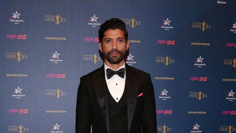 Farhan Akhtar is on non-stop workout session for Toofan, says 'it's never over till the trainer says it's over'. Watch video