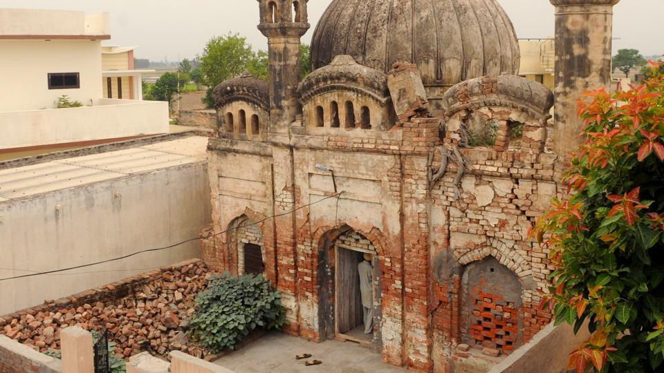 The mosque at Village Hedon Bet of District Ludhiana in Punjab.