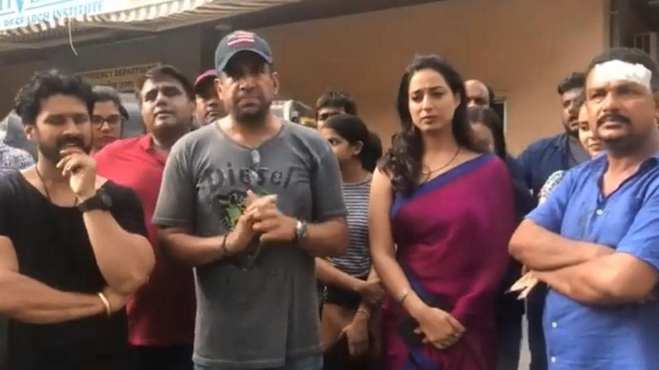 Crew of Mahie Gill's web series alleges that the cops watched even as goons attacked them on sets.