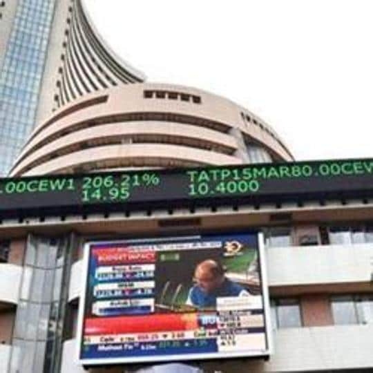 Domestic equity benchmark BSE Sensex rose over 100 points in early trade Thursday tracking positive cues from global markets ahead of the G-20 summit.