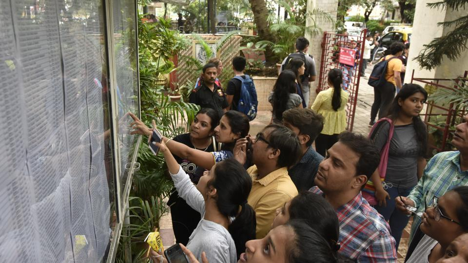 Till 2018, the state education department had allowed ICSE students to enter their best-of five marks from subjects in group 1 and 2 or enter the scores of six or seven subjects.