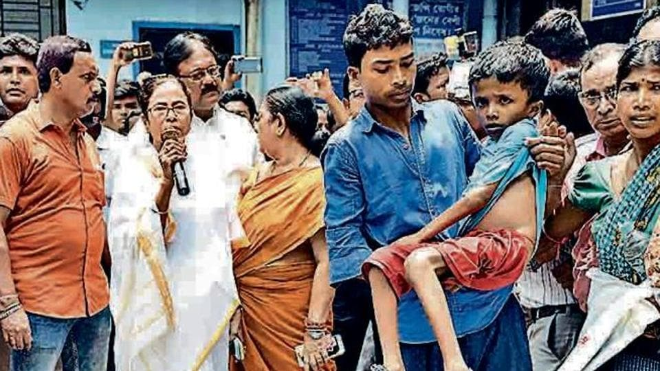 Bengal CM Mamata Banerjee addresses protesting doctors in Kolkata on June 13.  The protests turned into a crisis for the Trinamool administration.