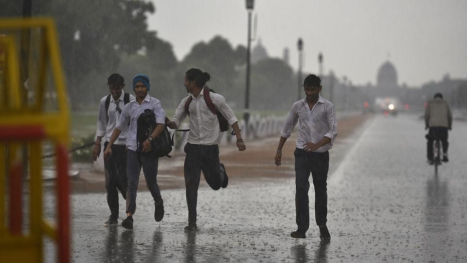 The mercury had been rising over the past one week after the effects of cyclone Vayu faded. On Saturday, the day temperature at Safdarjung was recorded to be 40.3°C,  two degrees above normal. At Palam, it was 42.4°C.