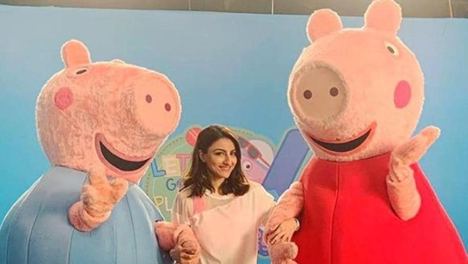 Soha Ali Khan shows off her cricketing skills, tells kids 'how to prepare for the perfect six'. Watch videos