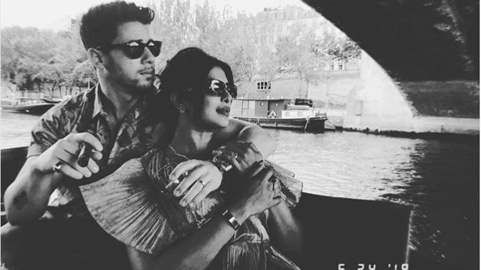 Priyanka Chopra and Nick Jonas enjoy sightseeing in Paris.