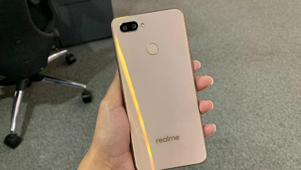 Realme teases 'world's first' 64MP camera phone | tech | Hindustan Times