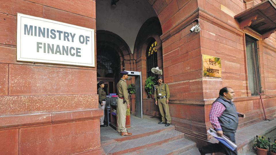 Disability pension and the pension soldiers who have served their full tenure with the three services - Indian Navy, Army, Air Force - will no longer be exempt from income tax, according to a recent notification of the Finance Ministry.