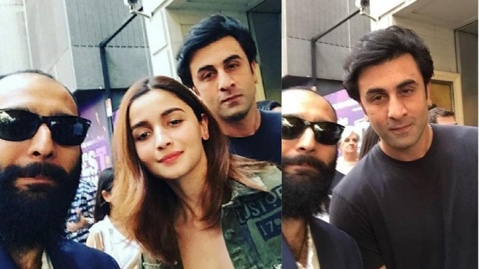 Alia Bhatt and Ranbir Kapoor pose for a selfie with fan.