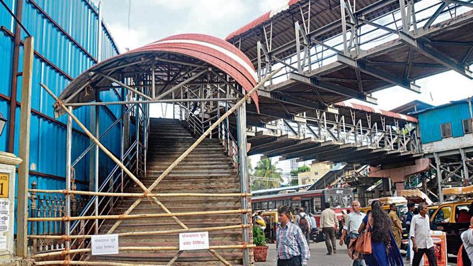 BMC has shut down the Charni Rd station FoB toward Saifee Hospital end, at Charni Rd, in Mumbai