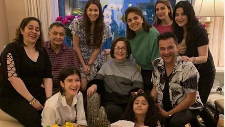 Actor Sanjay Kapoor shared a picture after visiting Rishi Kapoor in New York.