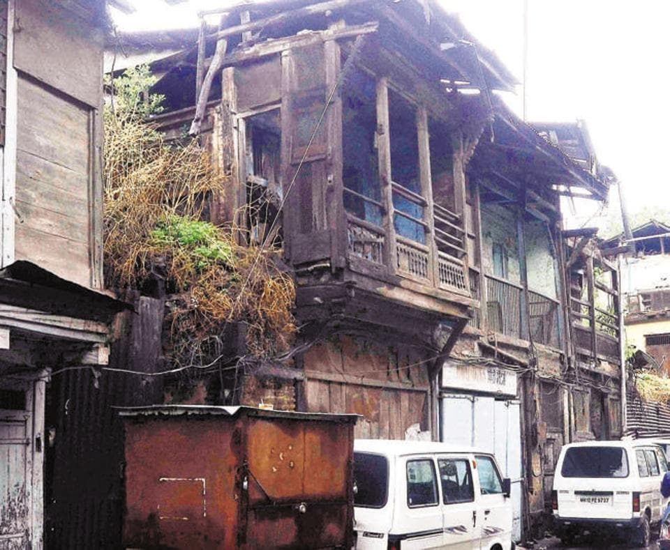 Wadas, like this one in Kasba peth, are historic structures. However, the dilapidated buildings are not fit to live in.