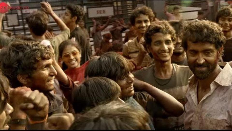 Hrithik Roshan in a still from Super 30 song Basanti No Dance.