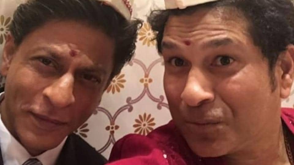 Shah Rukh Khan and Sachin Tendulkar engaged in some interesting conversation on Twitter over traffic rules.