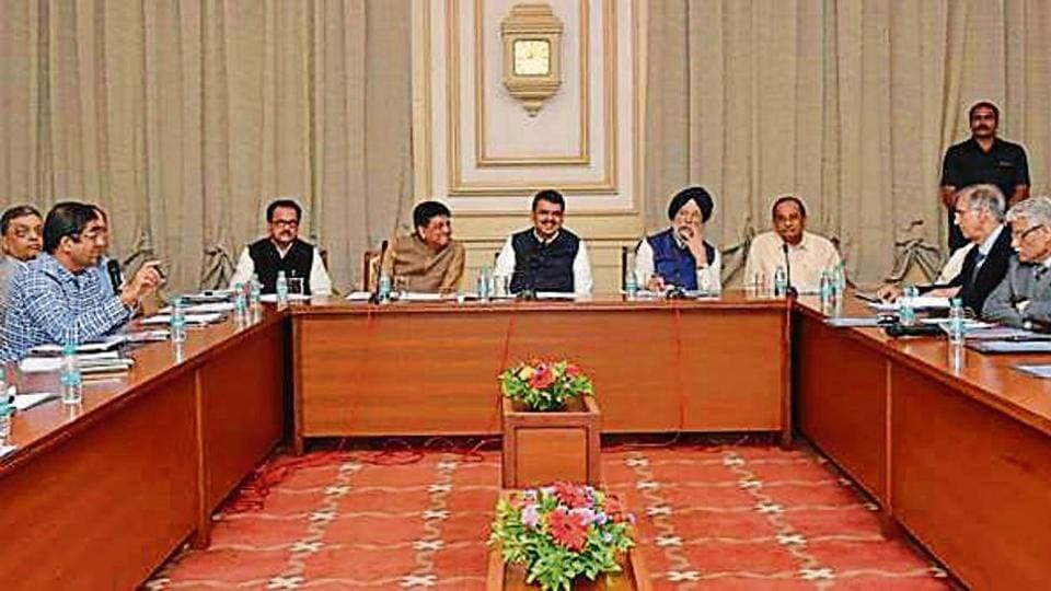 Chief minister Devendra Fadnavis (centre) with Union ministers Piyush Goyal (to his right) and Hardeep Singh Puri (to his left) at the Sahyadri state guest house onSaturday.
