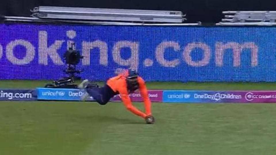 Ravindra Jadeja takes  a sensational catch.