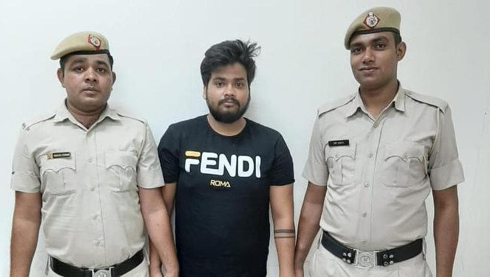 The police on Friday arrested a man for allegedly duping his acquaintance of ₹1.70 lakh.