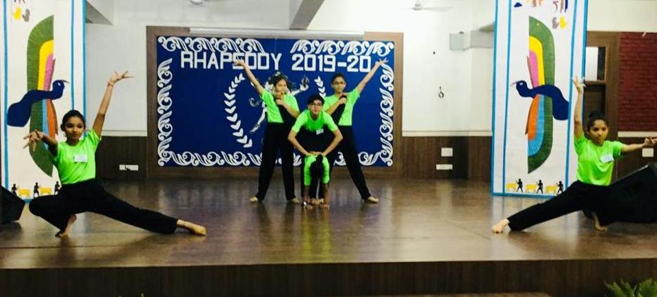Students perform at Rhapsody 2019