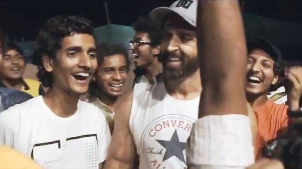 Hrithik Roshan with his co-stars from Super 30.