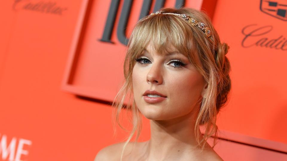 Taylor Swift has written a Tumblr post about Scooter Braun.