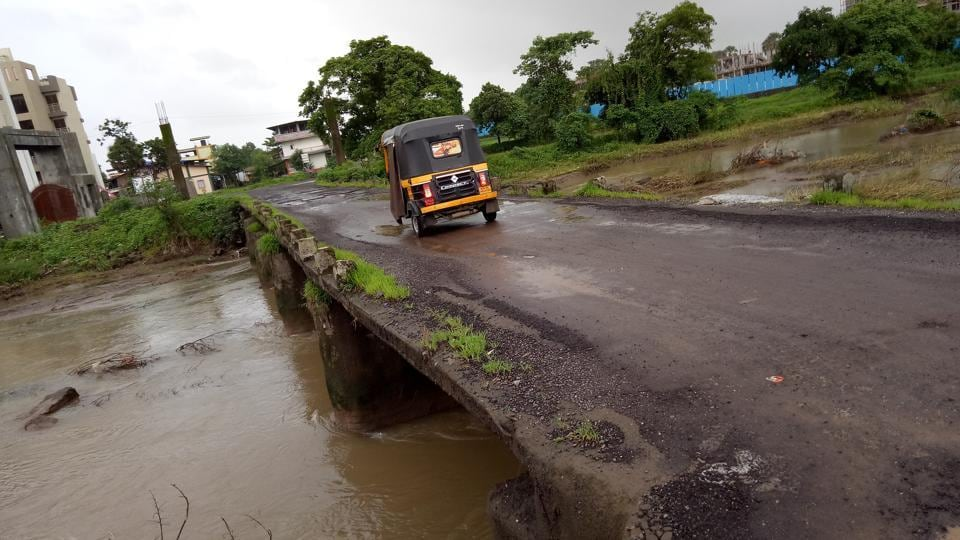 The public accounts committee of the state legislature has rapped the state public works department (PWD) for inaction against gross irregularities in road construction works.