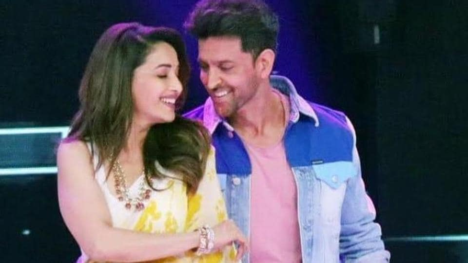 Hrithik Roshan and Madhuri Dixit on the sets of Dance Deewane.