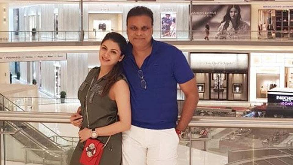 Bhagyashree and Himalaya Dasani pose in Dubai.