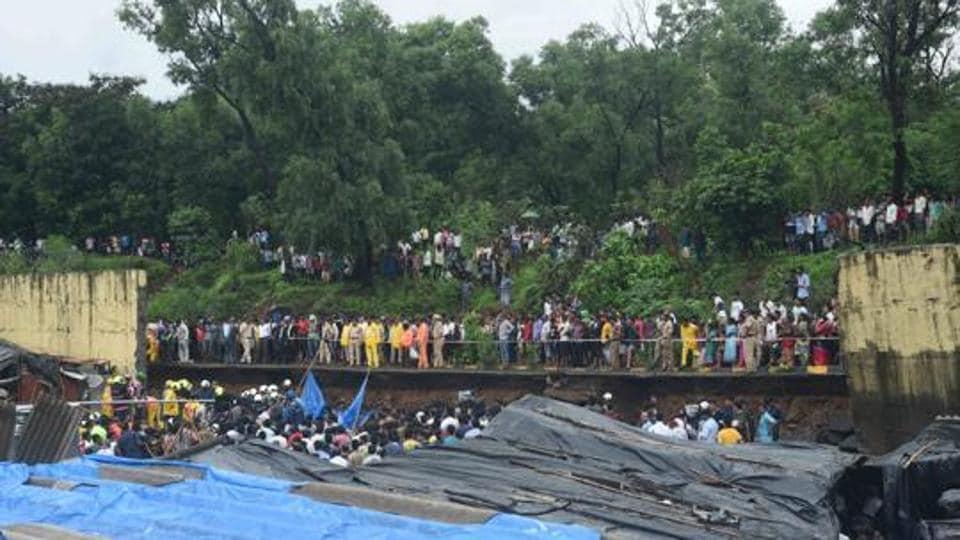 Heavy rain had brought down a retaining wall of BMC's reservoir on hutments on a hillock in Kurar village, Malad around 1am on Tuesday