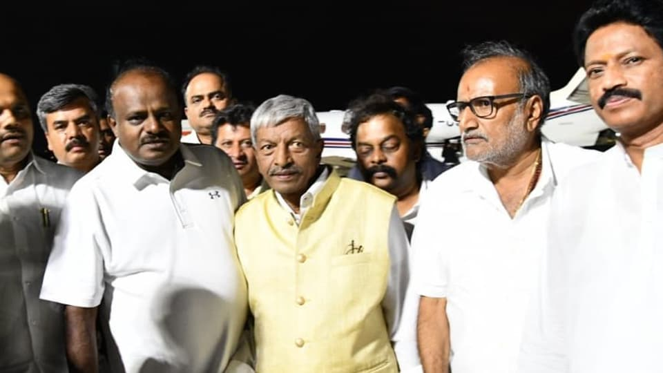 On the day after the resignations, it emerged that there were two factions among the rebel MLAs. One faction was of the nine MLAs in Mumbai and the other was of Reddy, ST Somashekhar and BA Basavaraj.  (ANIphoto)