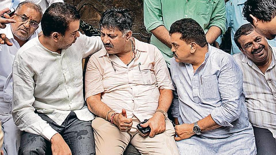 (From left) GT Deve Gowda, Milind Deora, Karnataka minister DK Shivakumar and Sanjay Nirupam in Mumbai on Wednesday.