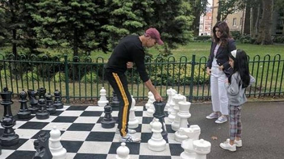 Twinkle Khanna and Akshay Kumar play a game of chess.