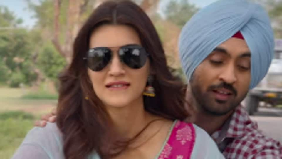 Diljit Dosanjh and Kriti  Sanon in a  still from Arjun Patiala's new song Sachiyan Mohabbatan.