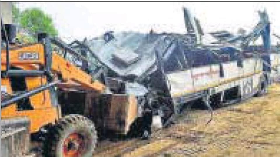 A probe panel has held the bus driver responsible for the recent accident on Yamuna Expressway .