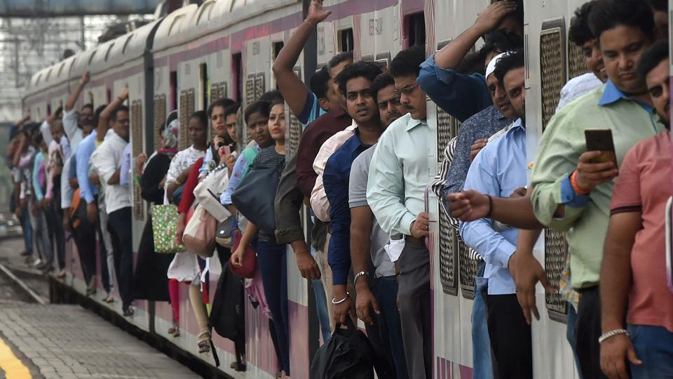 A crowded local passenger train approaches a platform in Mumbai. CR said there was a power failure at Maharashtra State Electricity Distribution Company Limited (MSEDCL), Tata Power, in a statement, said the disruptions occurred owing to  a system disturbance at Maharashtra State Electricity Transmission Supply Company Limited's (MSETCL) Kalwa receiving station (RS).