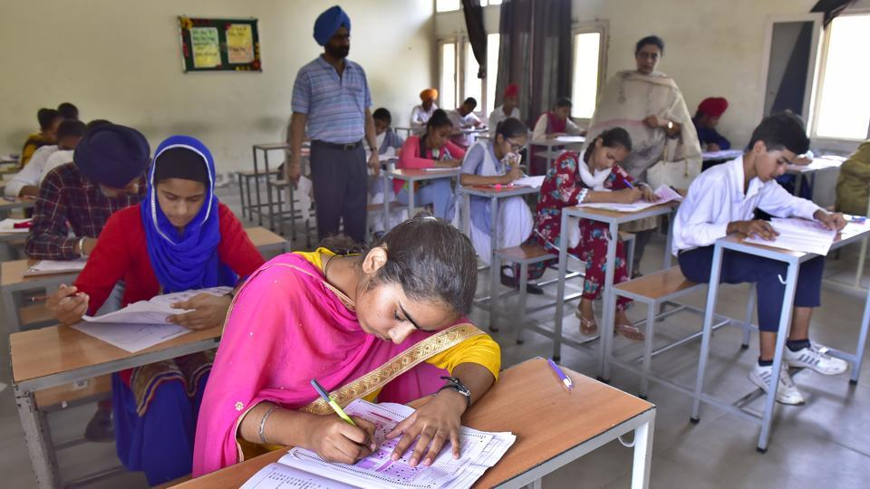 Tamil Nadu's directorate of government examinations has announced the HSE June 2019 compartment exam result 2019.