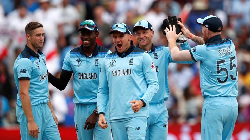 England celebrate the wicket of Steve Smith in the semi-final against Wimbledon.