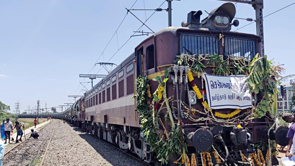 A train with 25 lakh litres of water reached parched Chennai today. Technicians at the railway station at Jolarpettai, worked from early Thursday to fill fifty wagons with 50,000 litres of water each, sourced from a south Indian river. The train was supposed to reach Chennai on Thursday, but leakages in valves connecting the tank to the railway station forced authorities to push back plans by a day. (ANI )