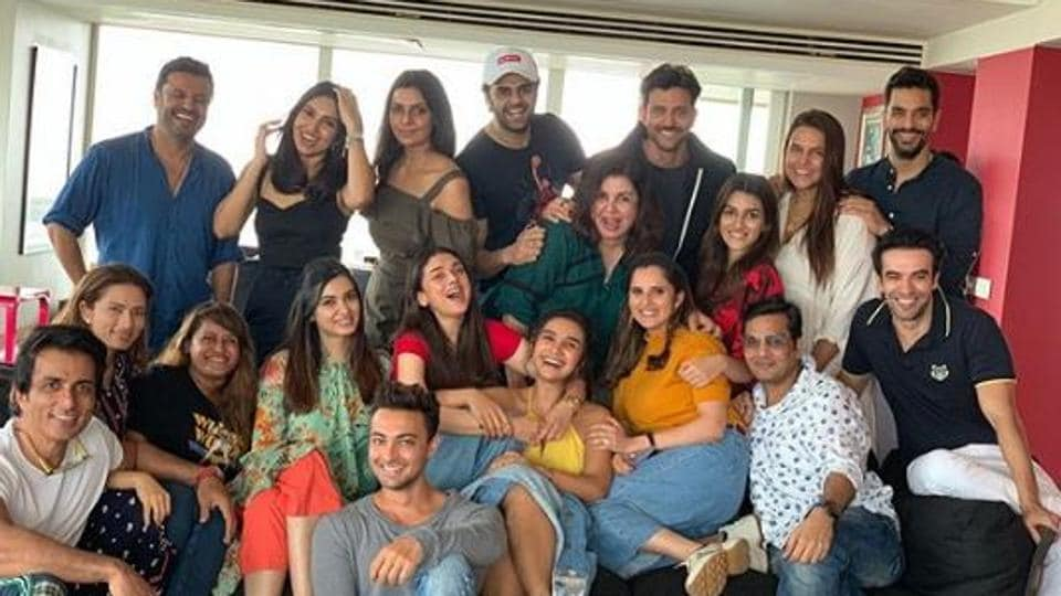Farah Khan's star-studded party saw Hrithik Roshan, Vikas Bahl, Sania Mirza and others in attendance.
