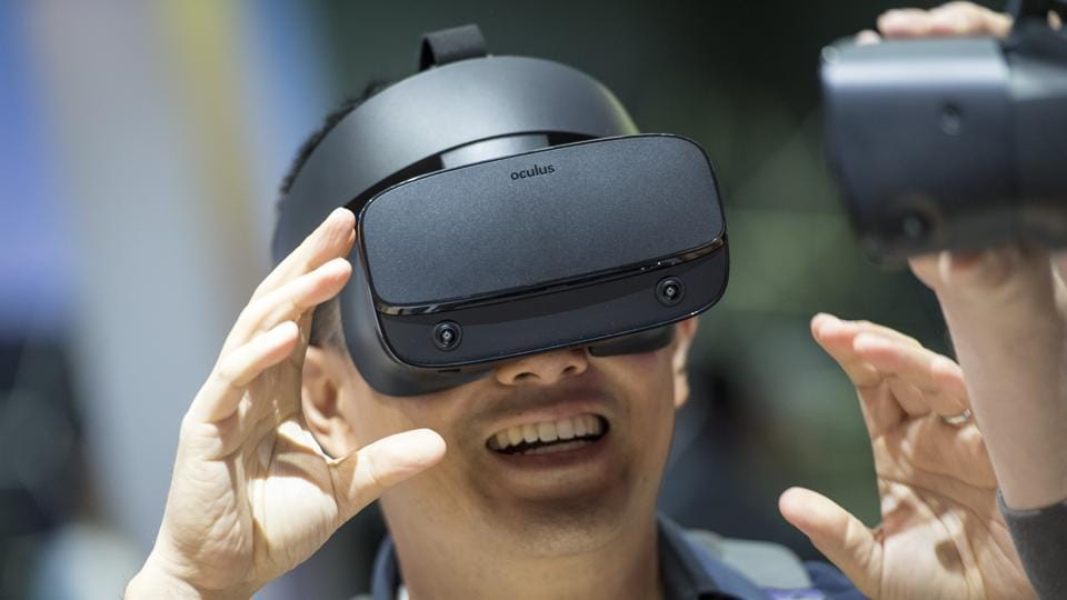 Facebook's VR dream may not take off, says Oculus co-founder