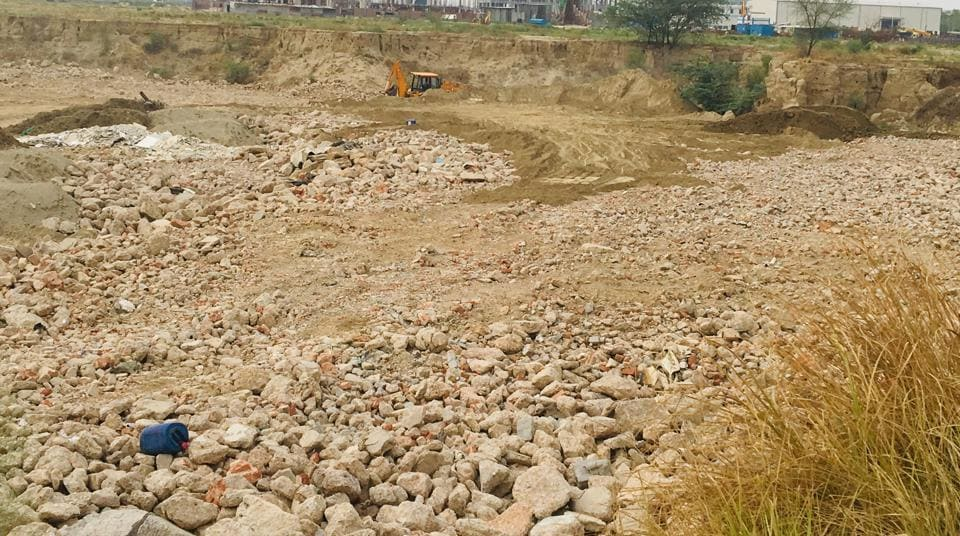 Samsung faces Rs 15 lakh fine for dumping construction