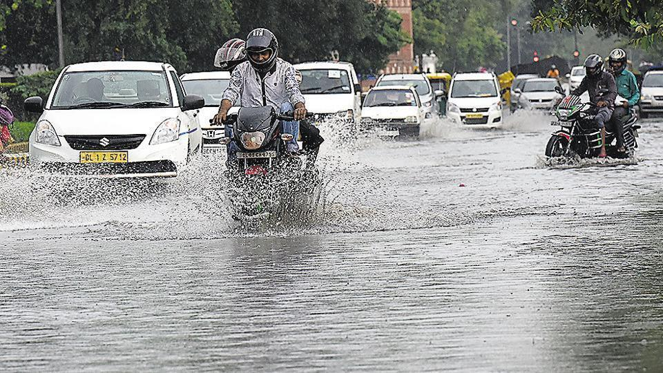 The Delhi High Court Monday suggested using drones to identify water logging sites to fight traffic snarls in the national capital during the  monsoon.
