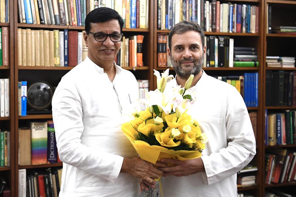 Congress leader Rahul Gandhi with newly-appointed Maharashtra Congress chief, Balasaheb Thorat.