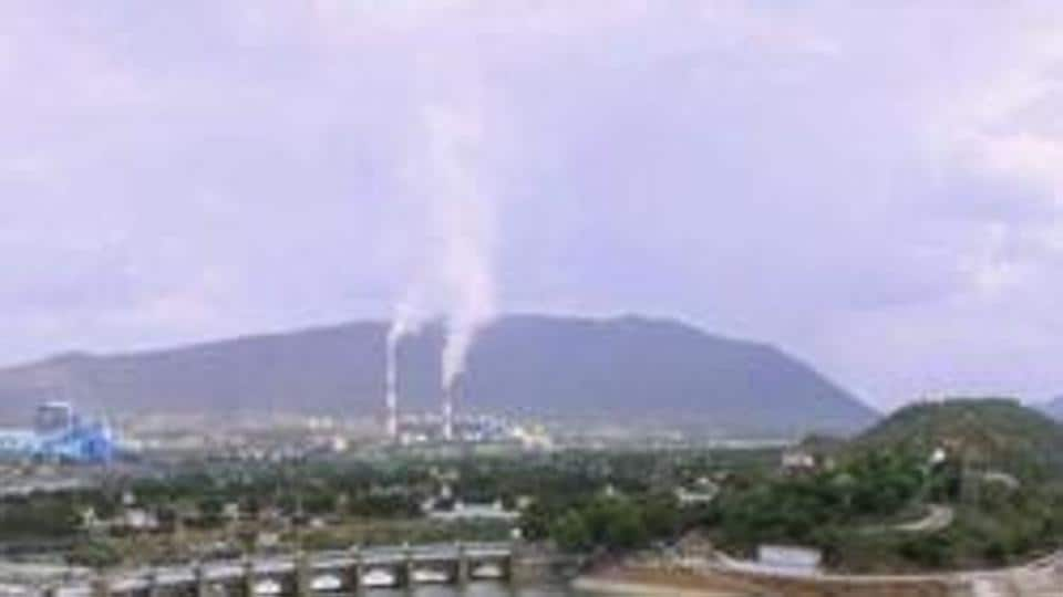 Cauvery river flowing through Mettur Dam in Tamil Nadu. The Supreme Court has increased Karnataka's share of water and directed the state to release 177.25 tmc to Tamil Nadu.