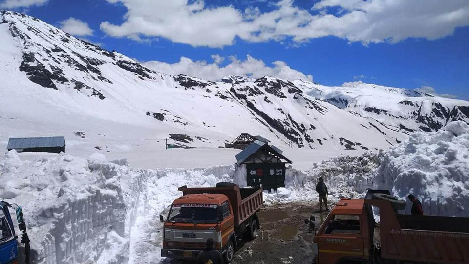 Four pilgrims were critically injured when a portion of a glacier collapsed and hit them while they were on the Shrikhand Mahadev yatra.