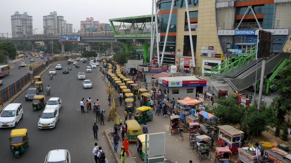 The traffic police on Wednesday said that the main road opposite Huda City Centre Metro station and Fortis Hospital will be closed from Saturday, to facilitate the construction of a flyover and an underpass.