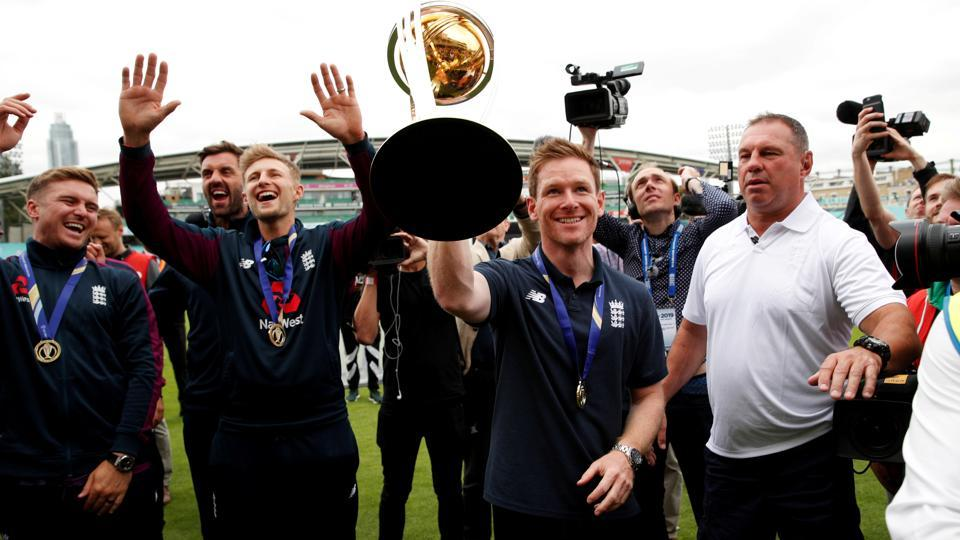 The England cricket team celebrates after winning the ICCWorldCup 2019 title.